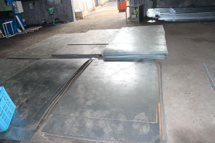 工厂钢板放置区展示
